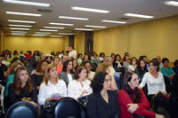 Training police officers and professionals to improve the assistance to women victims of violence